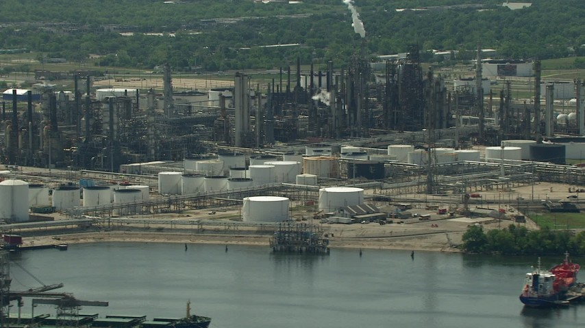 Flyby riverfront oil refinery in Galena Park, Texas Aerial Stock Footage | AF0001_000288