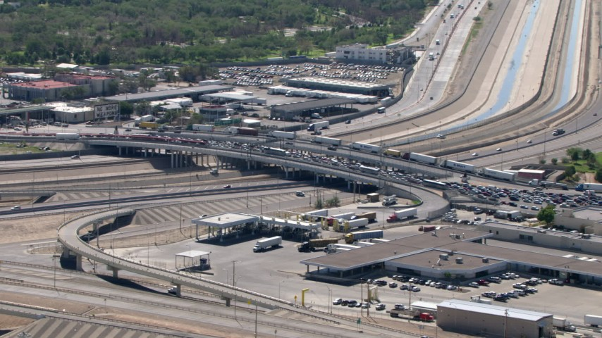 A view of heavy traffic on the Bridge of the Americas, El Paso/Juarez Border Aerial Stock Footage | AF0001_000937