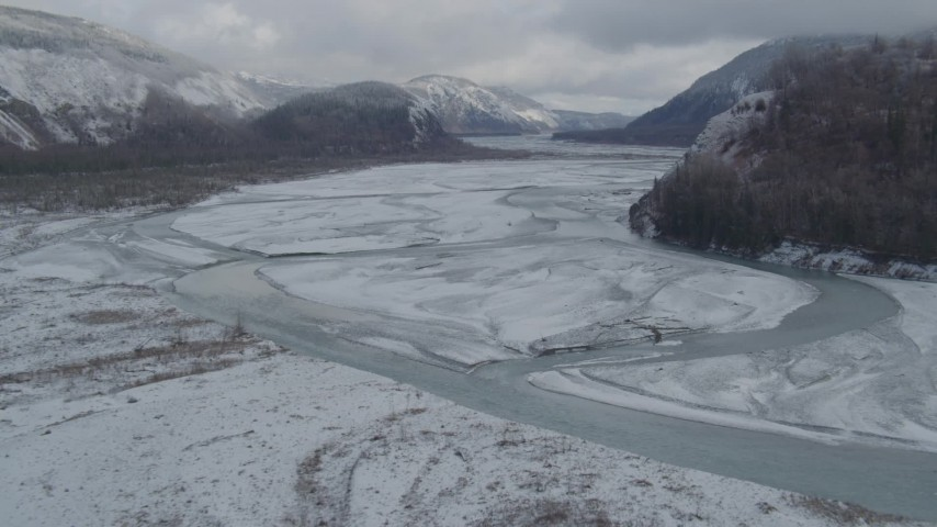 4K stock footage aerial video descend between Chugach, Talkeetna Mountains, Matanuska River Valley, Alaska Aerial Stock Footage | AK0001_0851