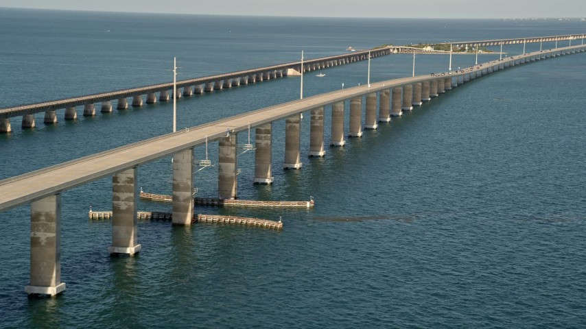 5K stock footage aerial video of ascending next to a rise in Seven Mile Bridge, Florida Aerial Stock Footage | AX0027_081