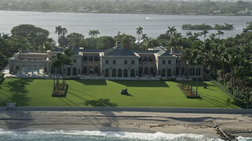 5K stock footage aerial video of a mansion on the coast, Palm Beach, Florida Aerial Stock Footage | AX0032_072