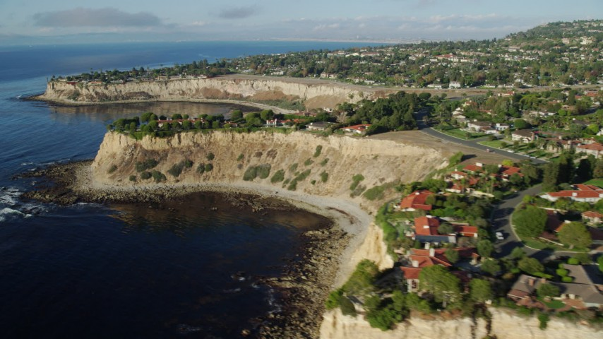 8K stock footage aerial video of oceanfront mansions on cliffs in Rancho Palos Verdes, California Aerial Stock Footage | AX0161_029