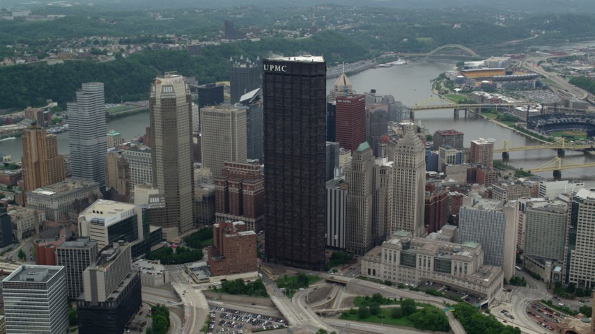 5K aerial video approaching U.S. Steel Tower, Downtown Pittsburgh, Pennsylvania Aerial Stock Footage | AX105_182