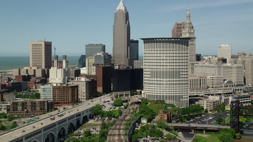 5K stock footage aerial video of a federal courthouse and skyscrapers in Downtown Cleveland, Ohio Aerial Stock Footage | AX106_217