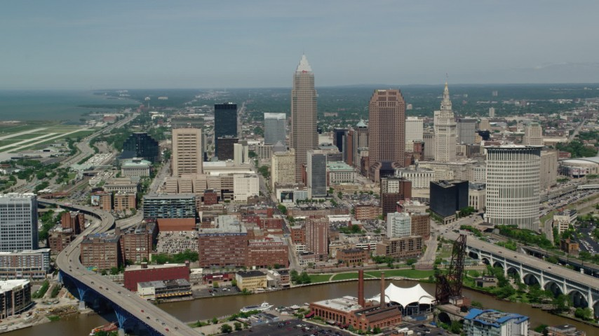 5K aerial video approaching skyscrapers in Downtown Cleveland, Ohio Aerial Stock Footage AX106_246