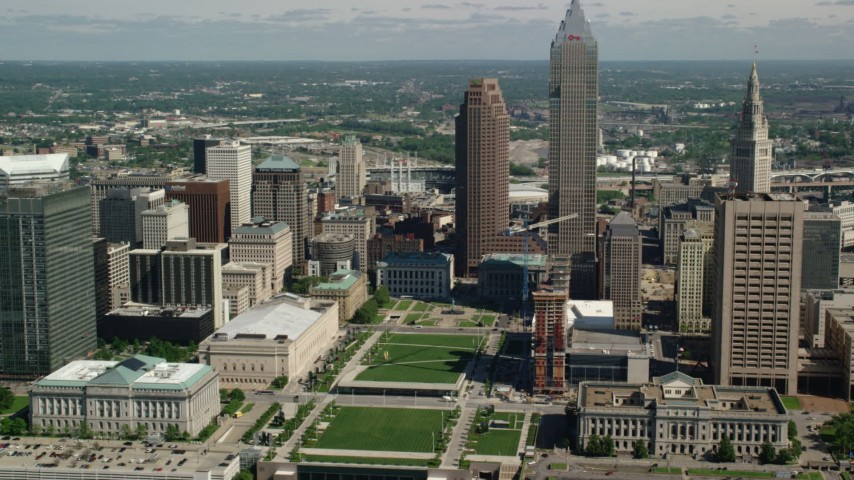 5K stock footage aerial video of Cleveland Mall, Downtown Cleveland Aerial Stock Footage | AX107_043