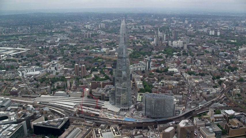 6K stock footage aerial video of flying toward The Shard skyscraper, London, England Aerial Stock Footage | AX114_076