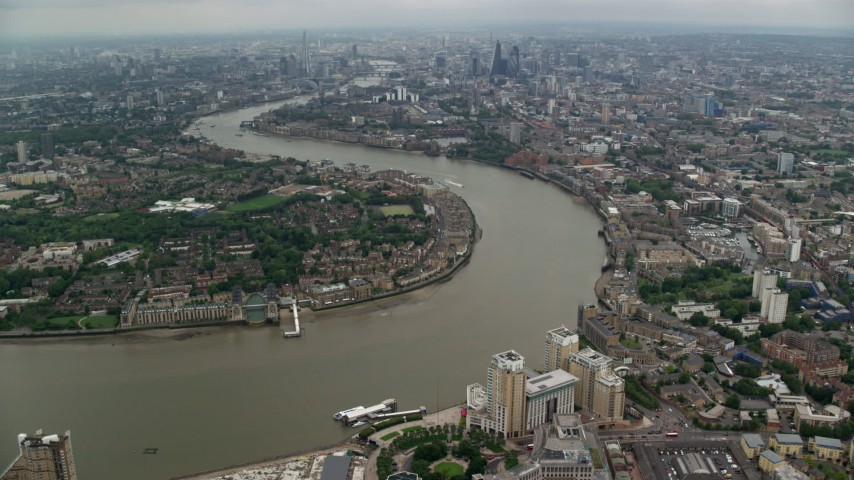 6K stock footage aerial video of River Thames winding through London, England Aerial Stock Footage | AX114_153