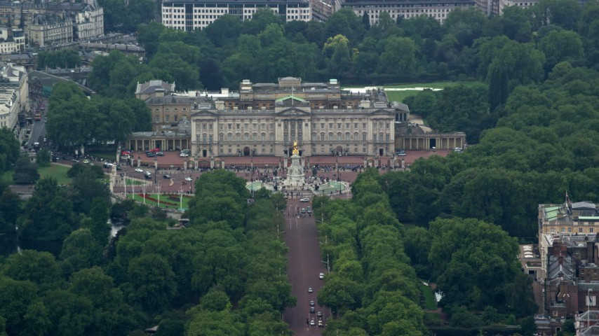 6K stock footage aerial video of orbiting Buckingham Palace and Victoria Memorial in London, England Aerial Stock Footage | AX114_203