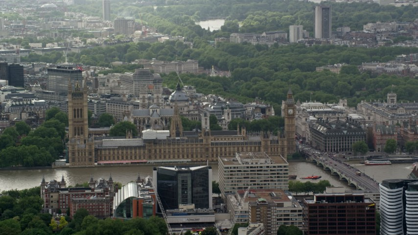 6K stock footage aerial video of Big Ben and Parliament, London, England Aerial Stock Footage | AX115_108