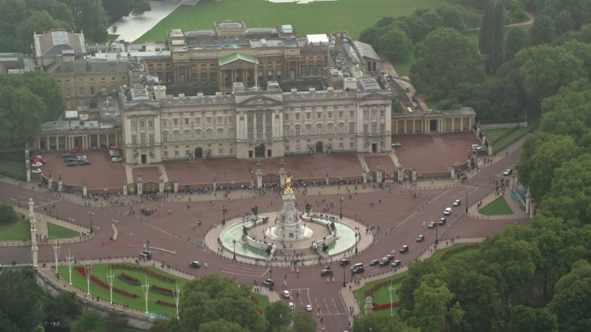 6K stock footage aerial video of the Victoria Memorial at Buckingham Palace, London, England Aerial Stock Footage | AX115_138