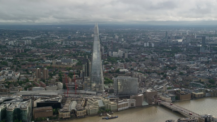 6K stock footage aerial video of The Shard and sprawling cityscape, London, England Aerial Stock Footage | AX115_178