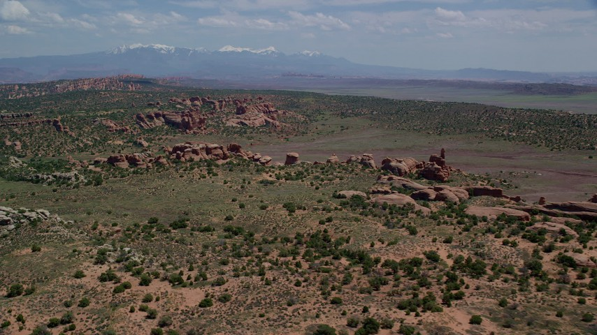 6K stock footage aerial video of a wide view of rock formations in Devil's Garden and Eagle Park, Arches National Park, Utah Aerial Stock Footage | AX137_041