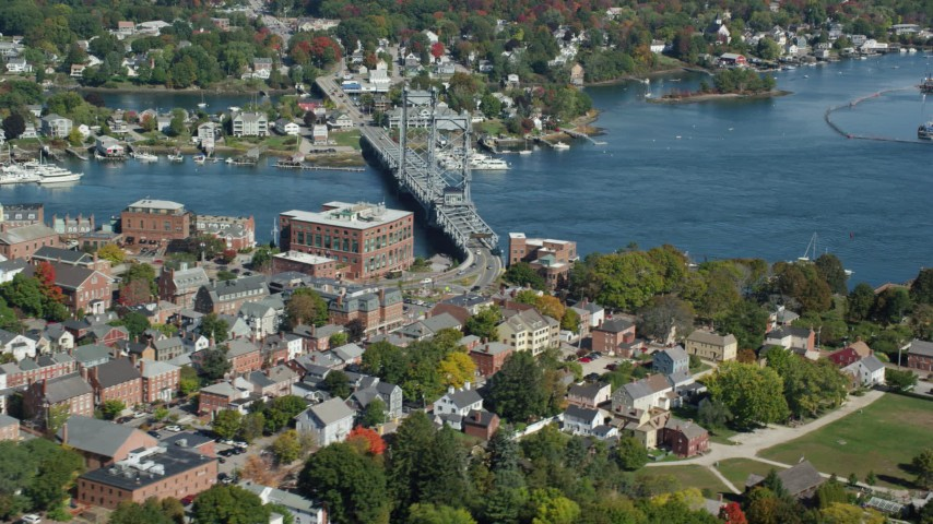6k aerial video of Memorial Bridge connecting Portsmouth, New Hampshire and Kittery, Maine Aerial Stock Footage | AX147_222