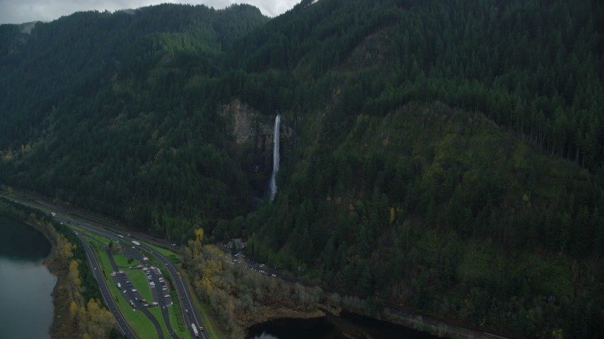 6K stock footage aerial video approaching Multnomah Falls in Columbia River Gorge, Multnomah County, Oregon Aerial Stock Footage | AX154_020