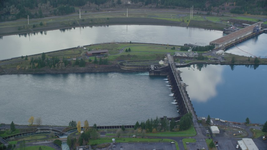6K stock footage aerial video of the Bonneville Dam in Columbia River Gorge Aerial Stock Footage | AX154_037