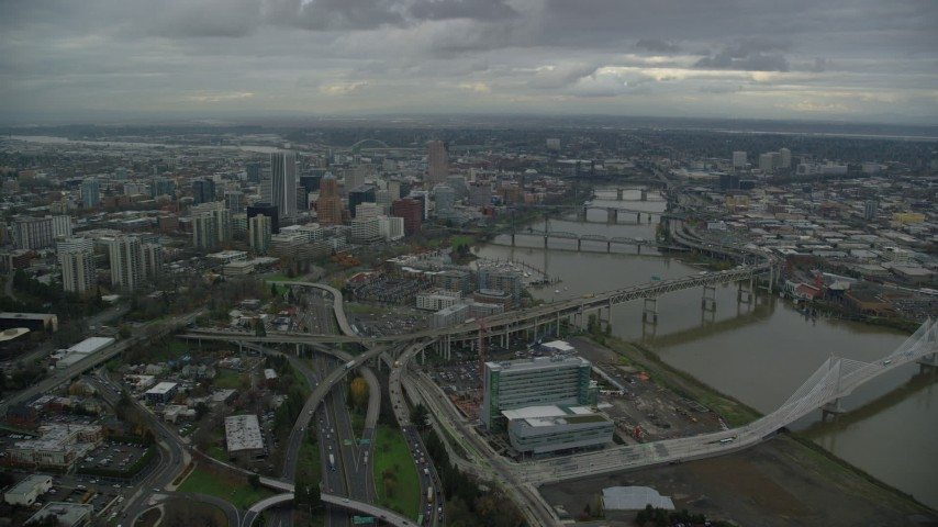 6K stock footage aerial video approaching Marquam Bridge and Riverplace Marina near skyscrapers in Downtown Portland, Oregon Aerial Stock Footage | AX155_049