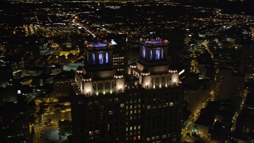 5K aerial video orbiting 191 Peachtree Tower, Downtown Atlanta, Georgia Aerial Stock Footage | AX41_010