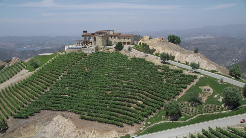 Orbit the hilltop malibu rocky oaks estate vineyards and for Malibu rocky oaks estate vineyards wedding cost