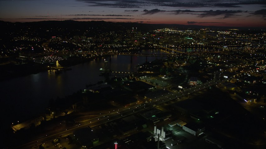 5K stock footage aerial video of approaching downtown, seen from Marquam Bridge, Downtown Portland, Oregon, twilight Aerial Stock Footage AX55_043 | Axiom Images
