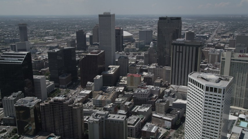 5K aerial video approach One Shell Square skyscraper in Downtown New Orleans, Louisiana Aerial Stock Footage | AX59_017