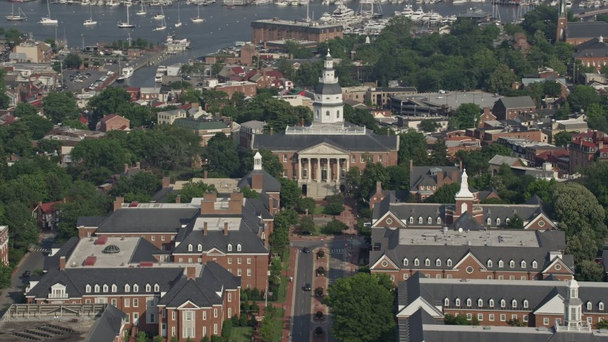 5K stock footage aerial video of the Maryland State House in Annapolis Aerial Stock Footage | AX73_015