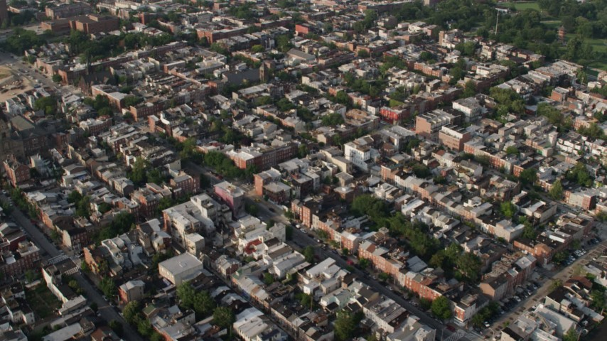 5K aerial video of town homes and apartment buildings in Baltimore, Maryland Aerial Stock Footage | AX73_102