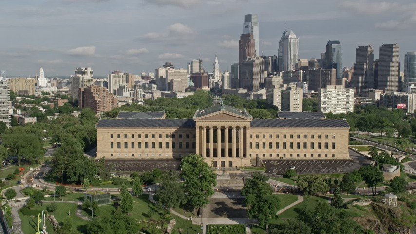 5K aerial video of the Philadelphia Museum of Art and the Downtown Philadelphia skyline, Pennsylvania Aerial Stock Footage | AX79_065