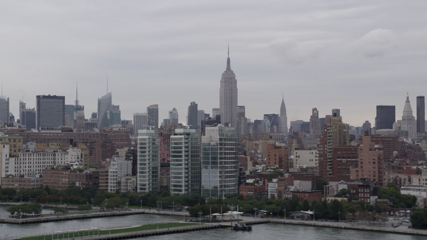 4K aerial video of the Empire State Building, Midtown Manhattan, Hudson River, New York, New York Aerial Stock Footage | AX84_019