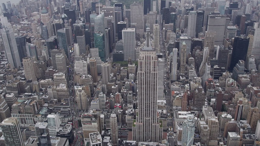 4K aerial video Approaching Empire State Building, Midtown Manhattan, New York, New York Aerial Stock Footage | AX84_060