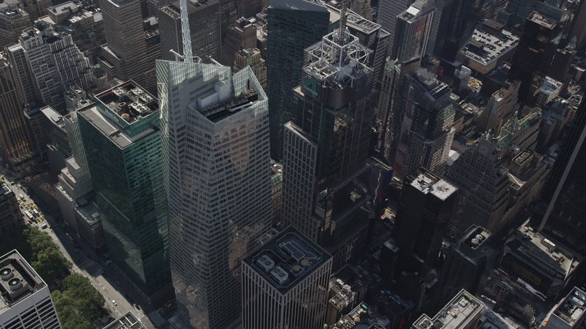 4K aerial video Approaching Bank of America Tower, Midtown Manhattan, New York, New York Aerial Stock Footage | AX87_085