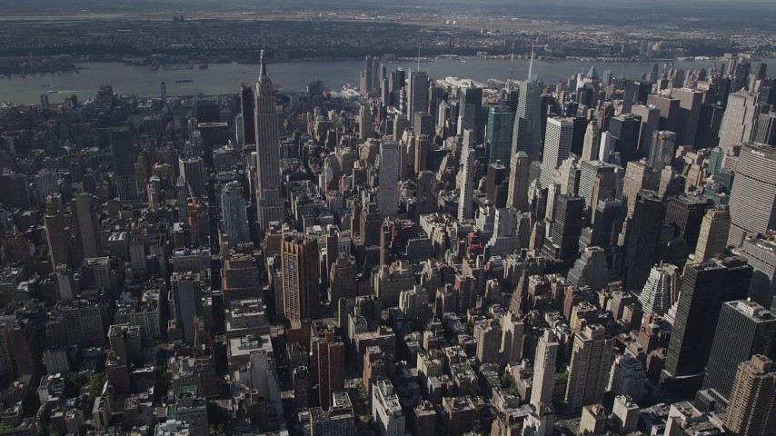4K stock footage aerial video Approaching the Empire State Building, Midtown Manhattan, New York, New York Aerial Stock Footage | AX87_097
