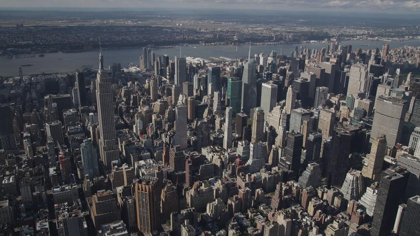 4K stock footage aerial video Approaching the Empire State Building, Midtown Manhattan, New York, New York Aerial Stock Footage | AX87_098