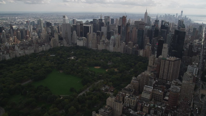 5k aerial video Approaching Midtown Manhattan skyscrapers, New York, New York Aerial Stock Footage | AX87_147