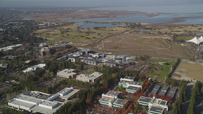 5K Aerial Video Flying by Googleplex and Shoreline Golf Links in Mountain View, California Aerial Stock Footage | DCSF08_018