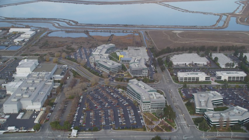 5K Aerial Video Approach Yahoo! Campus and tilt down, Sunnyvale, California Aerial Stock Footage | DCSF08_024