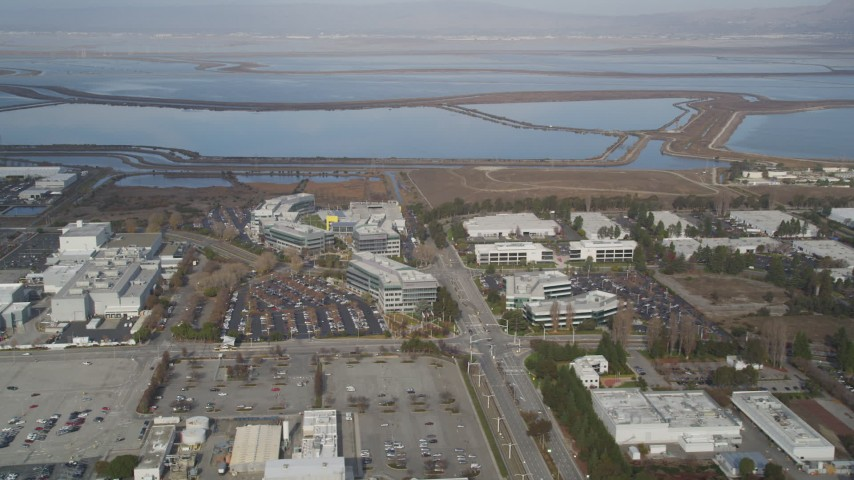5K Aerial Video Flying away from Yahoo! Campus and office buildings, Sunnyvale, California Aerial Stock Footage | DCSF08_025