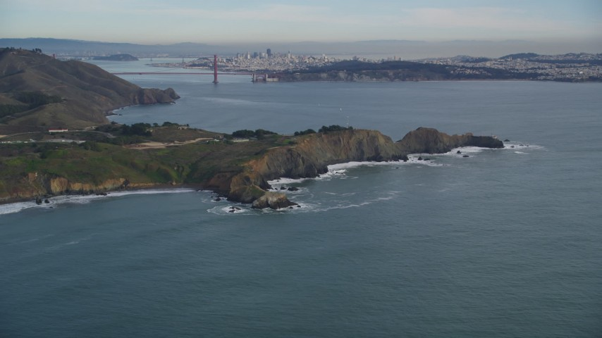 5K stock footage aerial video tilt from Marin Headlands revealing Golden Gate Bridge, San Francisco, California Aerial Stock Footage | DFKSF06_155