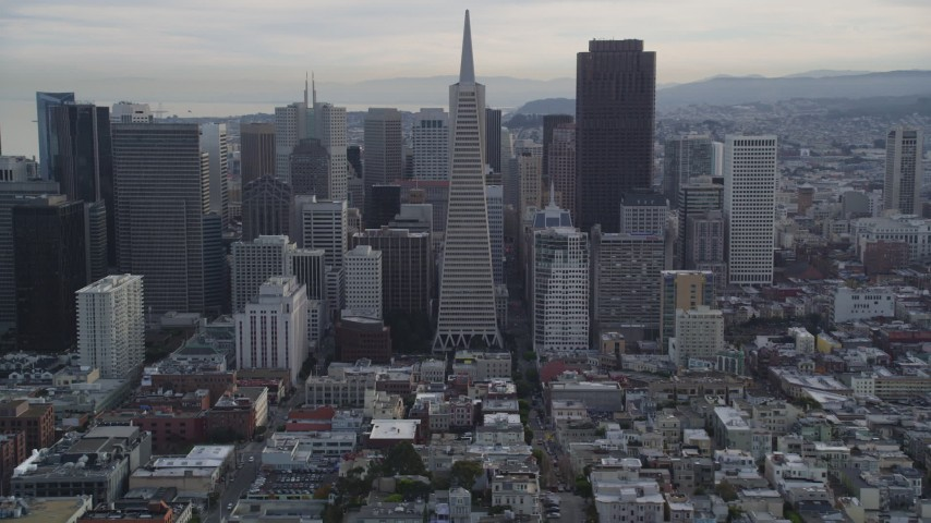 5K stock footage aerial video of iconic Transamerica Pyramid skyscraper in Downtown San Francisco, California Aerial Stock Footage | DFKSF06_171