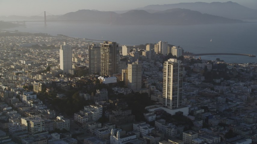 5K stock footage aerial video of Russian Hill apartment buildings, San Francisco, California Aerial Stock Footage | DFKSF13_029