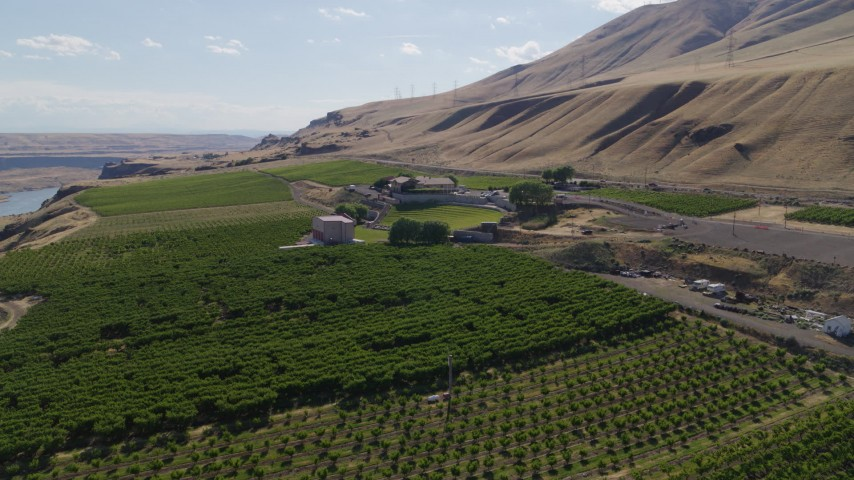 5.7K stock footage aerial video of approaching the Maryhill Winery and amphitheater in Goldendale, Washington Aerial Stock Footage | DX0001_000446