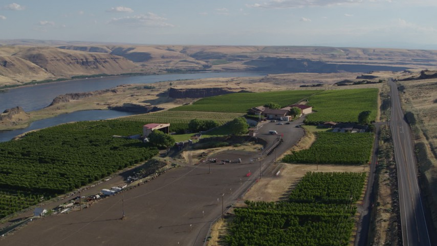 5.7K stock footage aerial video of the Columbia River seen from Maryhill Winery in Goldendale, Washington Aerial Stock Footage | DX0001_000481