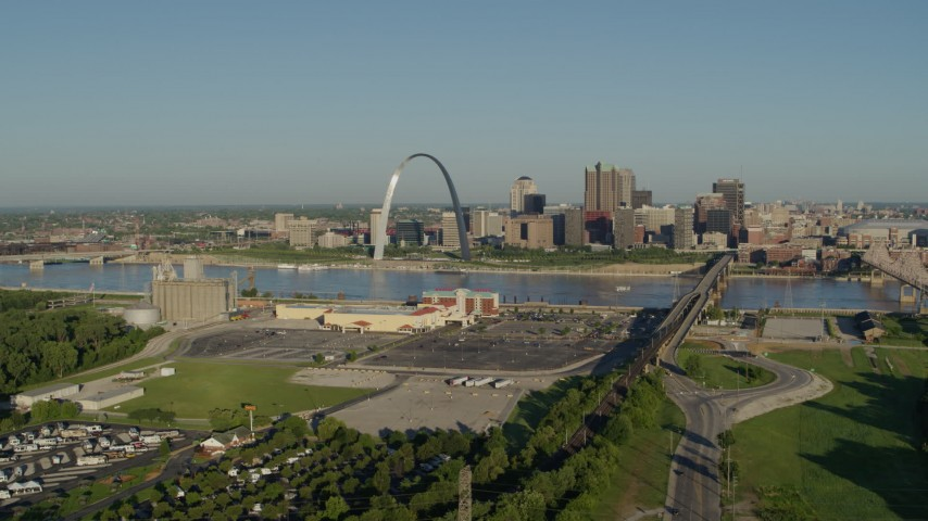5.7K aerial video of Gateway Arch and skyline from East St. Louis, sunrise, Downtown St. Louis, Missouri Aerial Stock Footage | DX0001_000538