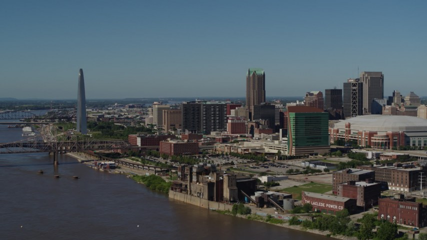5.7K aerial video of the Gateway Arch and Downtown St. Louis, Missouri buildings Aerial Stock Footage | DX0001_000612
