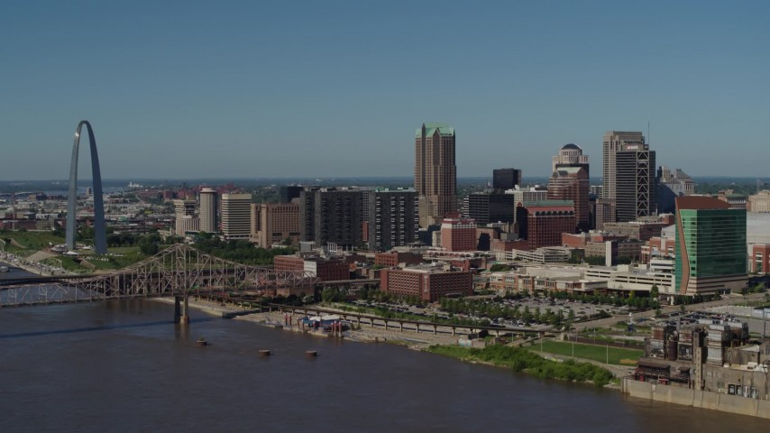 5.7K aerial video a view of the Gateway Arch and Downtown St. Louis, Missouri Aerial Stock Footage | DX0001_000615