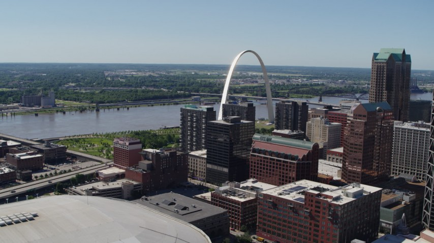 5.7K stock footage aerial video of the Gateway Arch, Mississippi River and Downtown St. Louis, Missouri Aerial Stock Footage | DX0001_000619