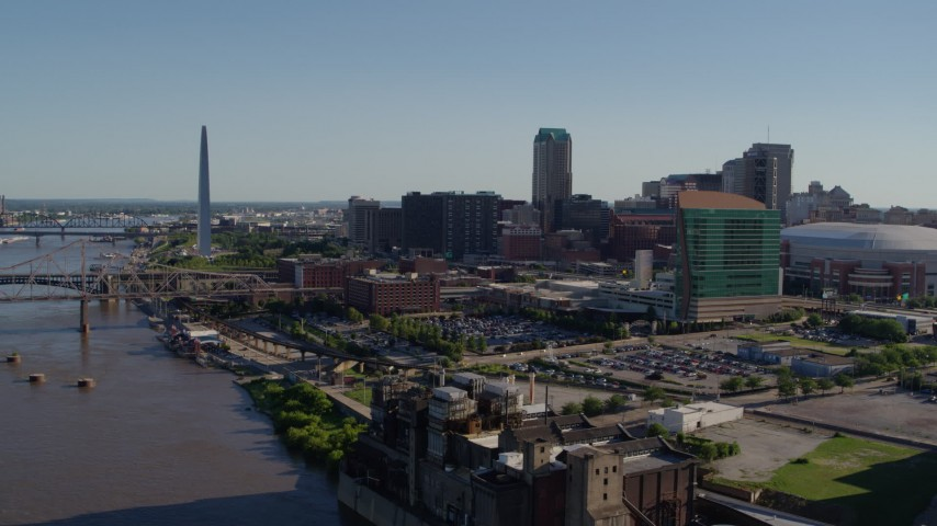 5.7K stock footage aerial video approach Four Seasons Hotel and the Downtown St. Louis, Missouri skyline Aerial Stock Footage | DX0001_000652