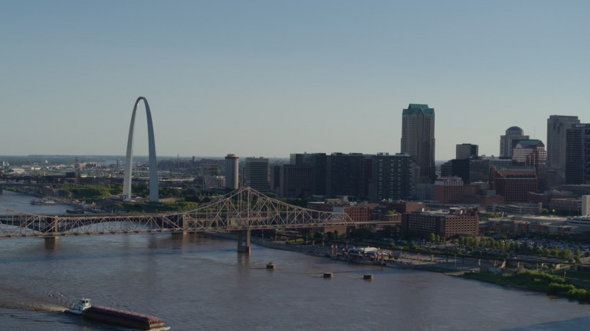 5.7K stock footage aerial video reverse view of the Gateway Arch, Martin Luther King Bridge and Downtown St. Louis, Missouri Aerial Stock Footage | DX0001_000665