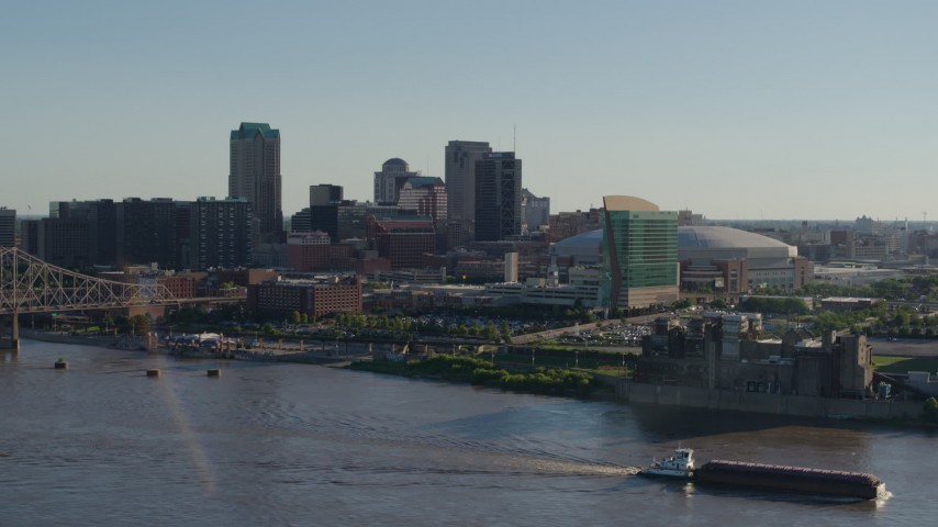 5.7K stock footage aerial video of Downtown St. Louis, Missouri seen from across the river Aerial Stock Footage | DX0001_000668