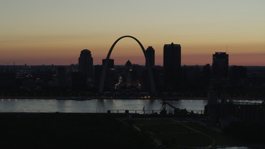5.7K aerial video of the Downtown St. Louis, Missouri, skyline at twilight Aerial Stock Footage | DX0001_000764